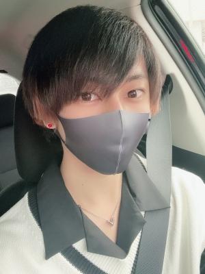 MOMO(モモ) 髪切りました✂︎