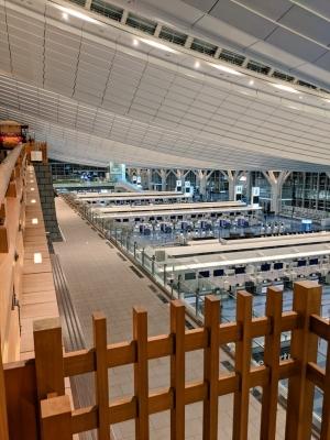 KONOSUKE(コウノスケ) 深夜の空港