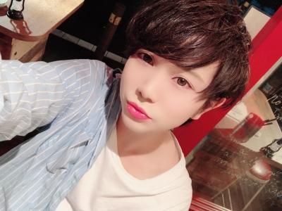 TAKAHIRO(タカヒロ) 髪色どっちの方がいいかなー??(╹◡╹)