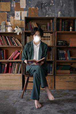 KISARAGI(キサラギ) 本を読みながら、、