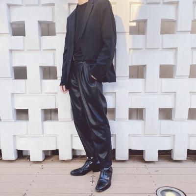 LEO(レオ) シンプルな服装