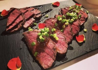 NATSU(ナツ) 肉食べたい
