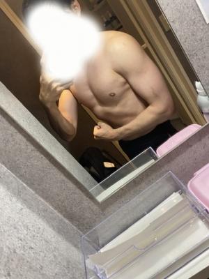 KANCHI(カンチ) 筋肉に触れて頂けませんか?^ ^