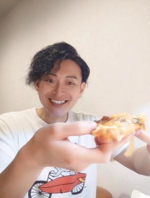 KONOSUKE(コウノスケ) ピザ好きなんです